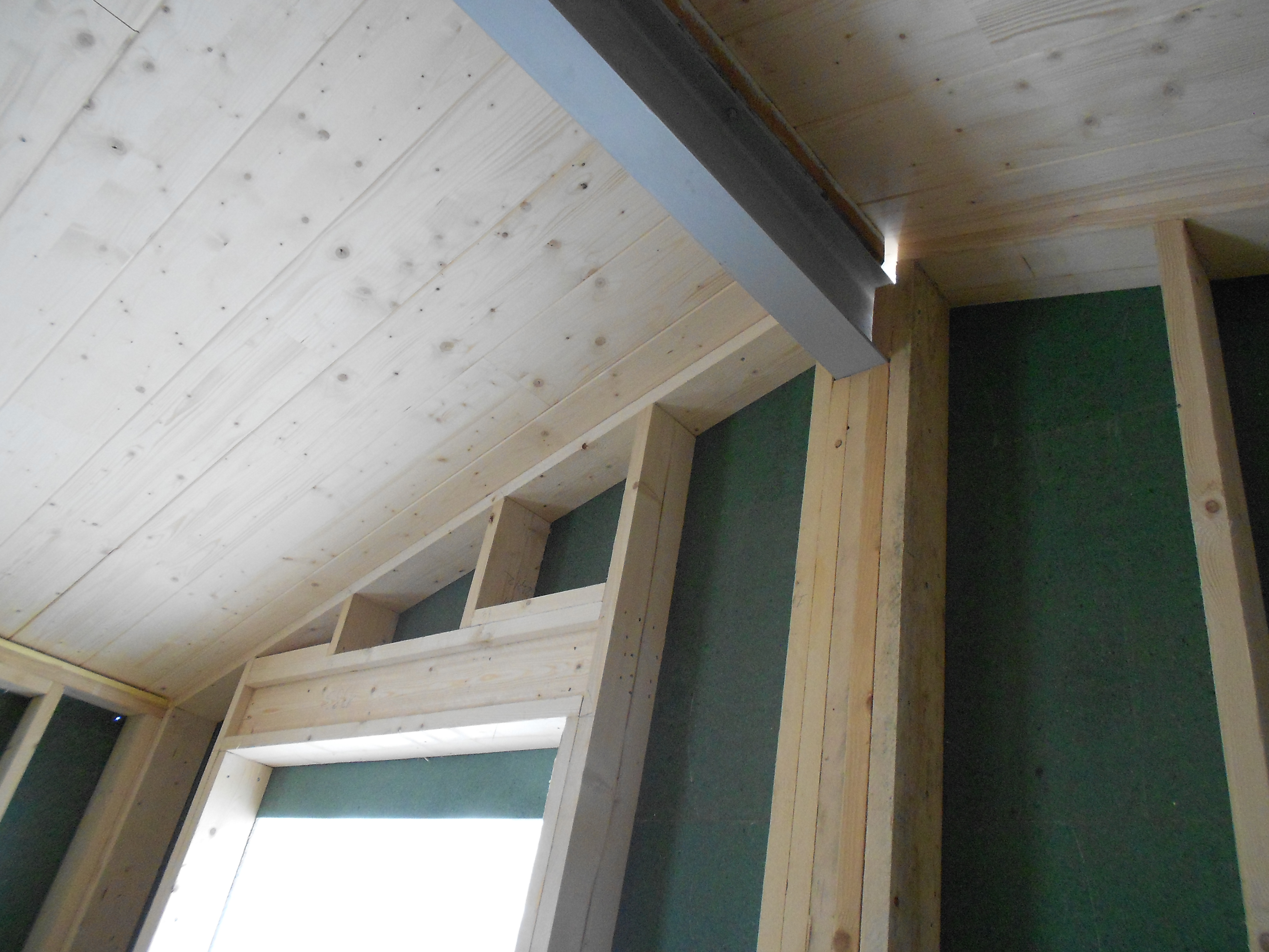 C 1ere surelevation interieur plafond chevetre ipn la for Plafond ossature bois